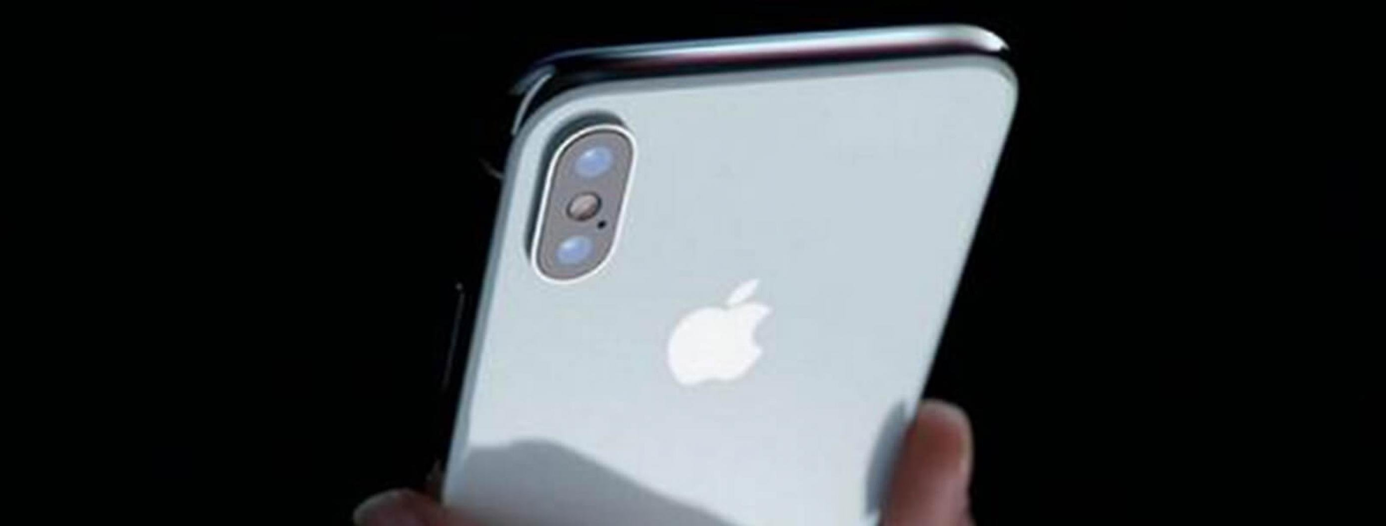 Apple Halves iPhone X Orders Due to Slow Sales