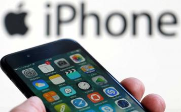 Apple's Battery Controversy Could Cost the Company $10 Billion in Lost Sales